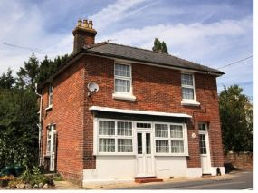 Old Post Office Dogs-allowed Cottage Ruckinge, Kent with pets